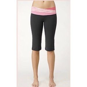 lululemon Astro Crops pink Space Dye Size 8